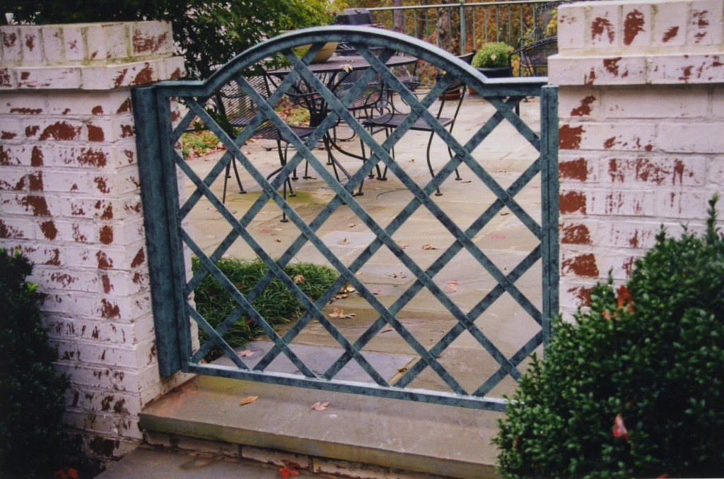 Iron-Outdoor-Garden-Gate-1024x678