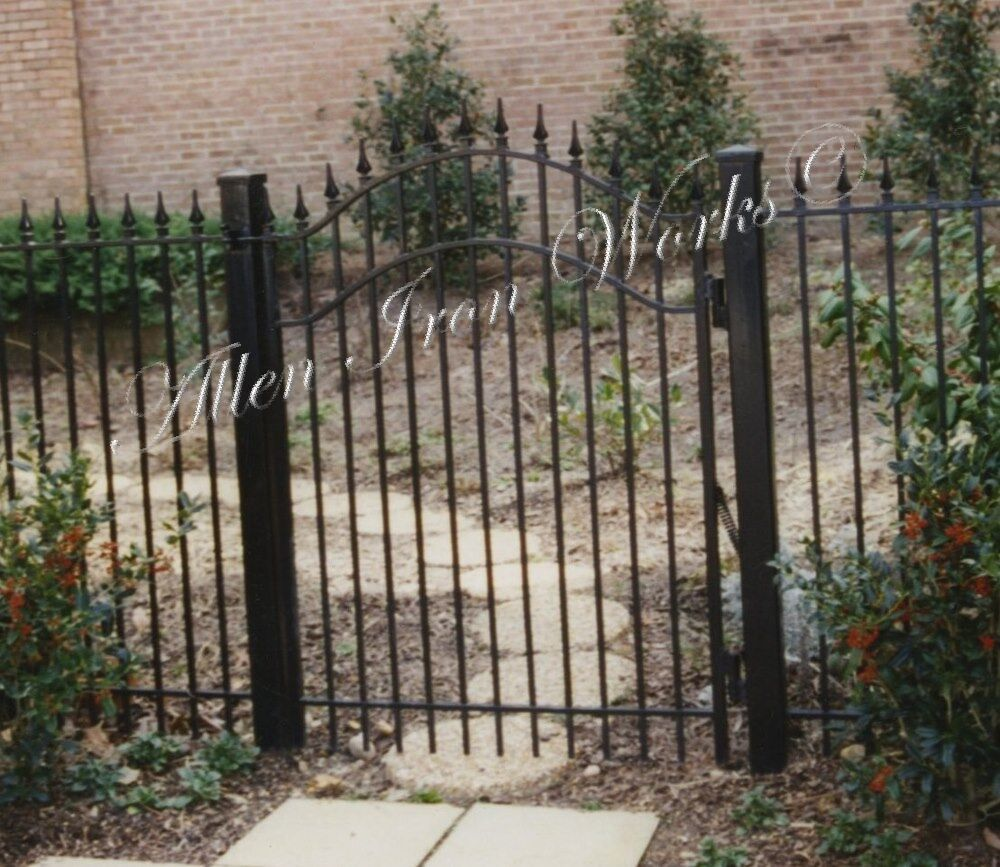 iron-traditional-arched-gate-with-spears-birmingham-al