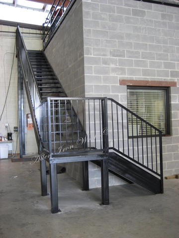 Commercial Straight Metal Stairs With Landing   Birmingham AL